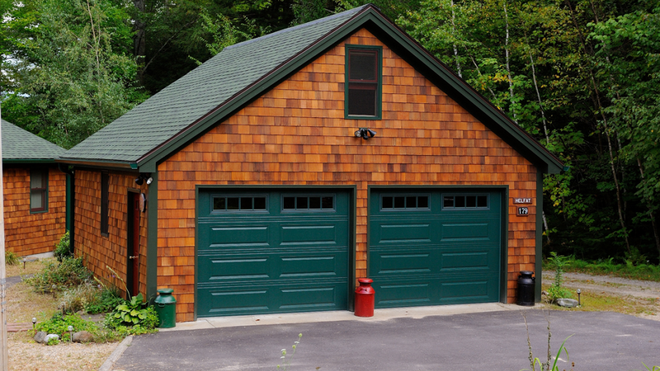 Chi door colors chi carriage house garage door model 5250 for Garage door colors
