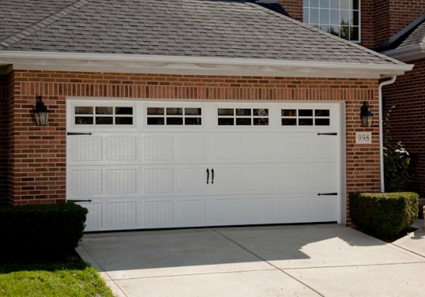 Haas Residential 240 Series United Garage Door