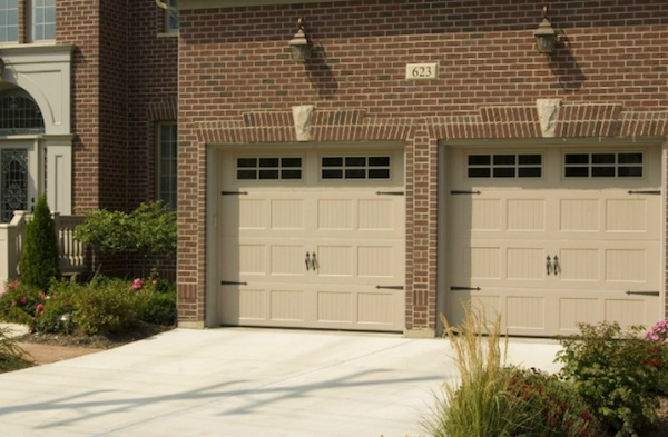 Haas Residential 600 Series United Garage Door
