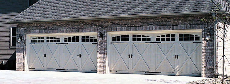 The 5500 And 5800 Series Doors From C H I Overhead Combine Clic Look Of Wood With Rugged Durability Fibergl